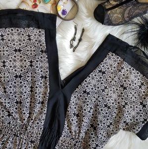 Avon Dresses - ⬇️Avon cold shoulder black & white dress 💙